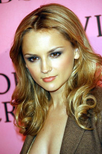 rachael leigh cook wallpaper. hot Rachael Leigh Cook is