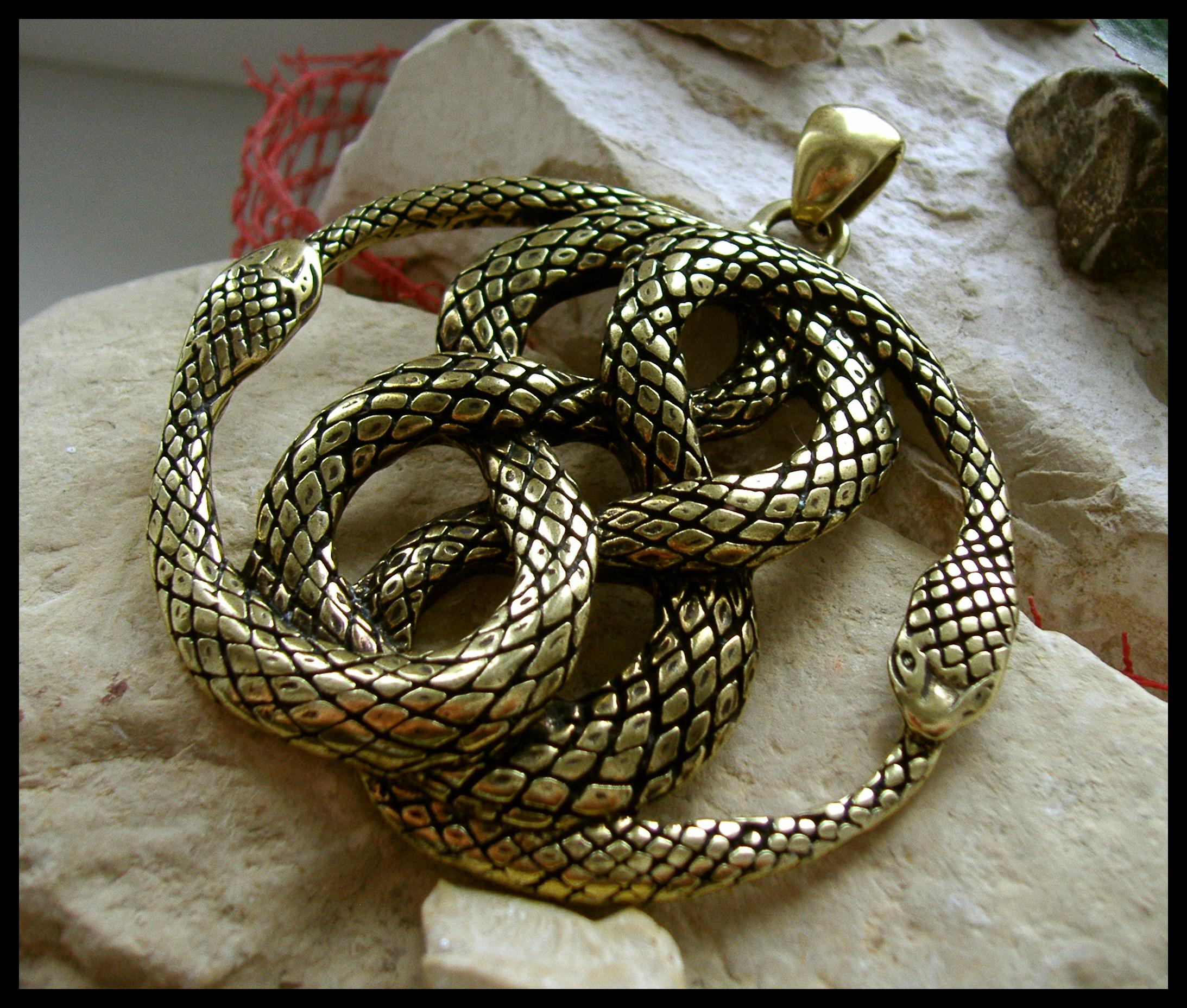 Never ending story auryn replicas mozeypictures Choice Image