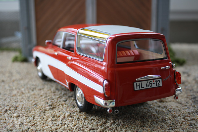 Wartburg Camping in 1/18 3axq-616-8a26