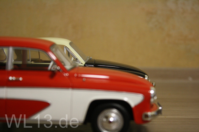 Wartburg Camping in 1/18 3axq-61s-9613