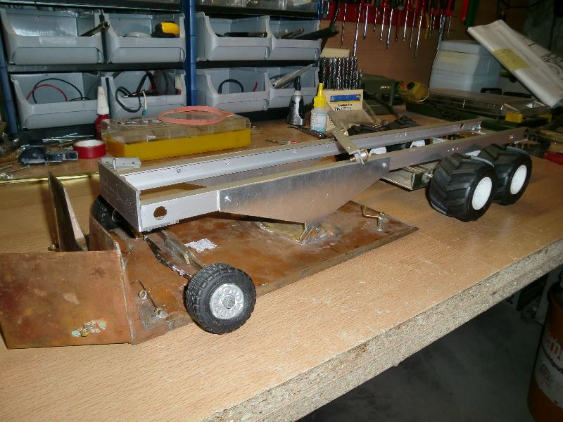 1:16 Pulling sled - RC Truck and Construction