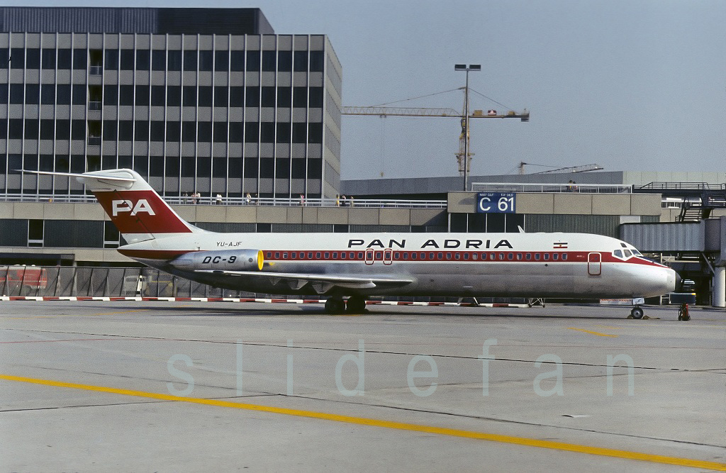 DC-9 in FRA - Page 3 H7ni-a-d3d9